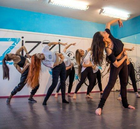 Как верно выбирать школу танцев